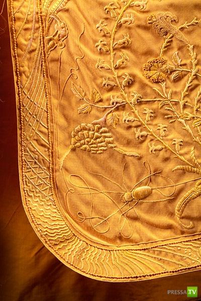 Золотое паутинное платье...