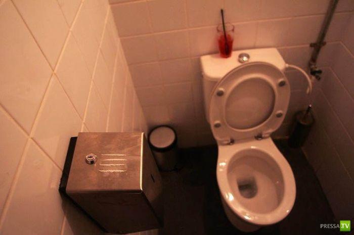 Туалет в ночном клубе