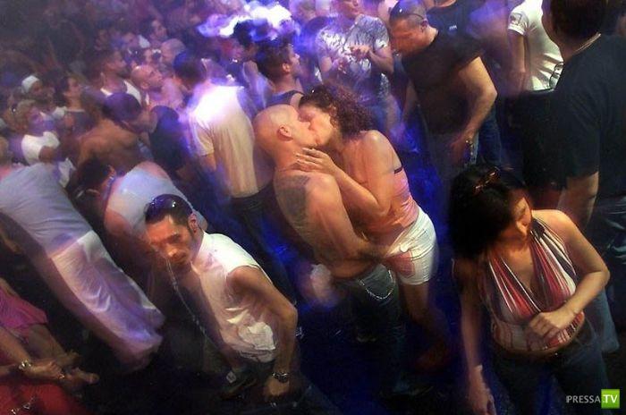 zakritie-zhenskie-porno-klubi