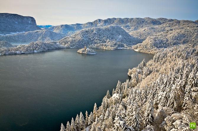 Таинственное Бледское озеро (23 фото)