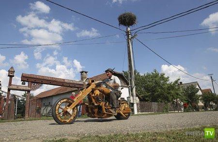 Венгерский тракторист построил деревянный мотоцикл (7 фото)