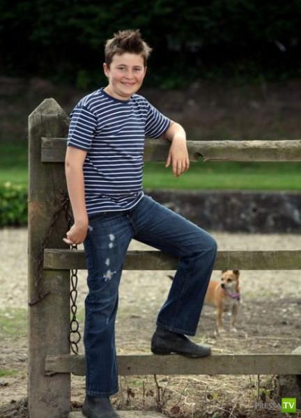 Загрузки. В Великобритании 12-летний подросток Редверс Стокс стал самой мо