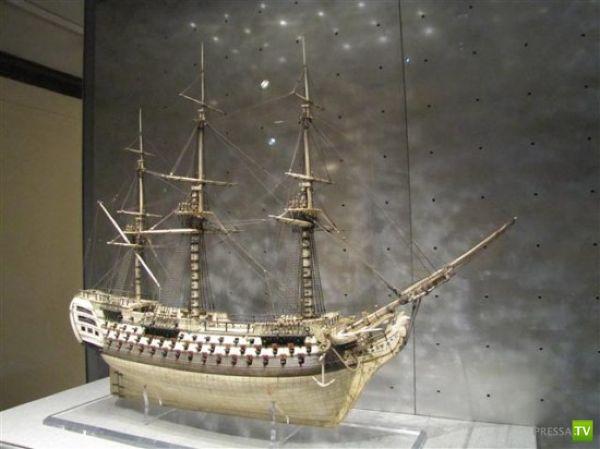 Модели кораблей из человеческих костей (10 фото)