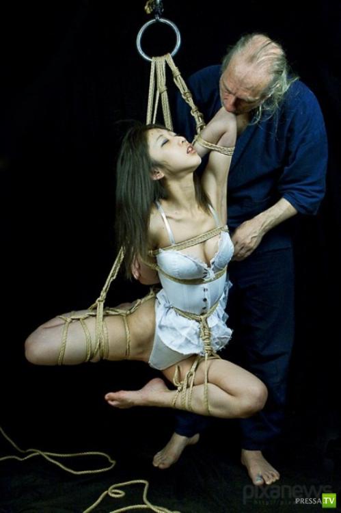 """Японское эротическое искусство """"Шибари"""" (9 фото)"""