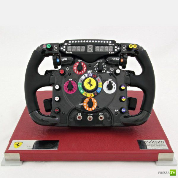 Руль Ferrari F1 (4 фото)