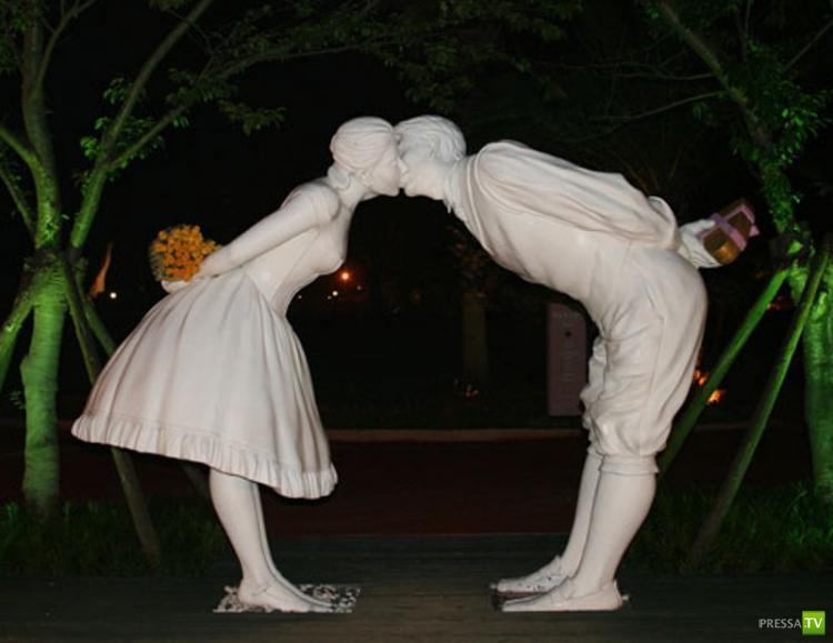 Парк скульптур любви «Love Land» в Южной Корее (18 фото)