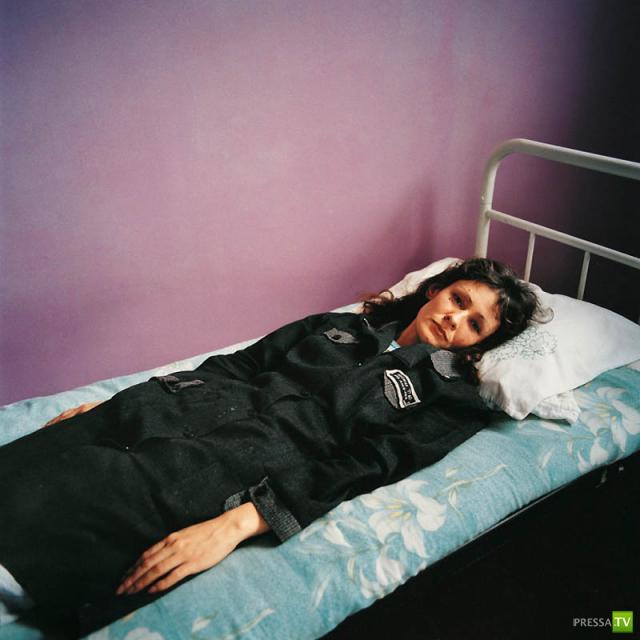 Развлечение девушек в тюрьме фото 350-440