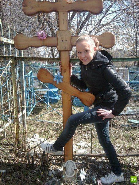 Малолетние дуры устроили фотосессию на кладбище (6 фото)
