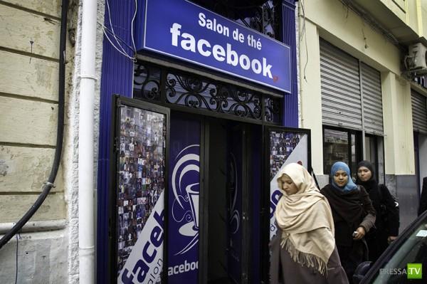 Проникновение социальных сетей в нашу повседневную жизнь (10 фото)