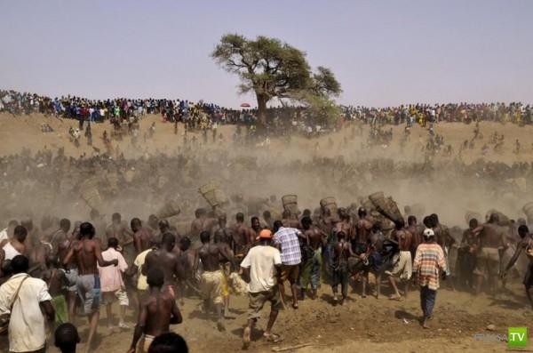 Аборигены Мали ловят рыбу только раз в году (4 фото + видео)