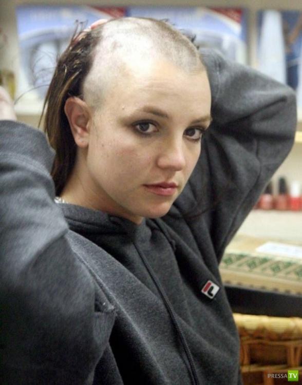 Фото женской стрижки налысо, или: лысые девушки