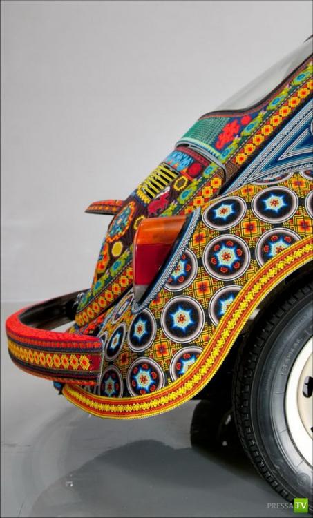 Volkswagen Beetle покрытый бисером (7 фото)