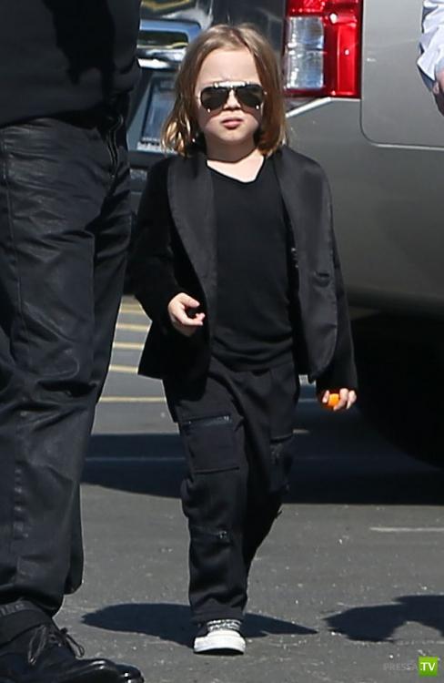 Анджелина Джоли родила Брэду Питту его точную копию (4 фото)