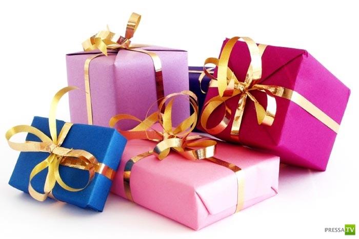 Какие подарки дарят и получают знаменитости (10 фото)