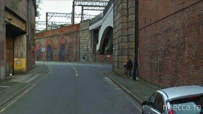 Google Street снял работу проститутки в Манчестере (5 фото)