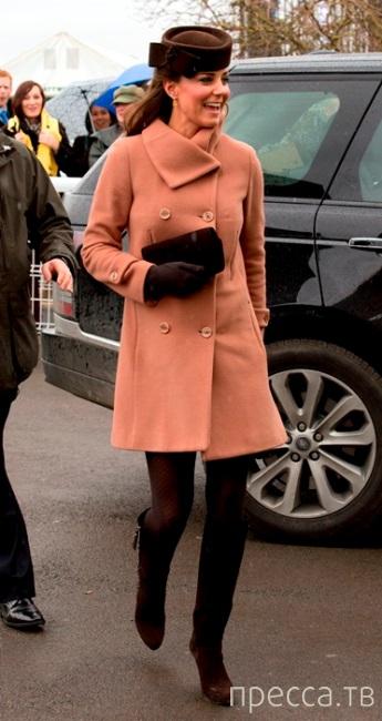 Принц Уильям и Кейт Миддлтон в пятницу посетили конный фестиваль в Челтенхеме (15 фото)