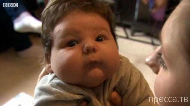 21-летняя британка родила 7-килограммового мальчика (4 фото)