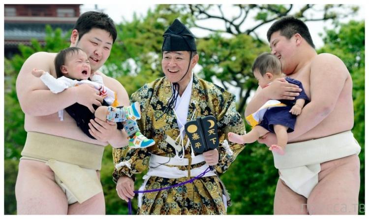 Чемпионат по детскому плачу в Японии (6 фото)