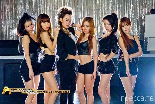 Южнокорейские танцовщицы довели толпу подростков до половой зрелости (видео)