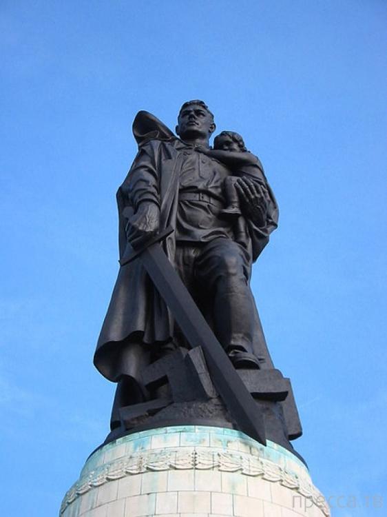 7 главных фактов о памятнике Воину-освободителю в Берлине...