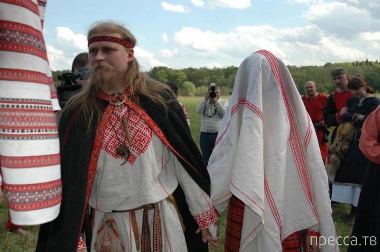 Свадебные традиции народов России (3 фото)