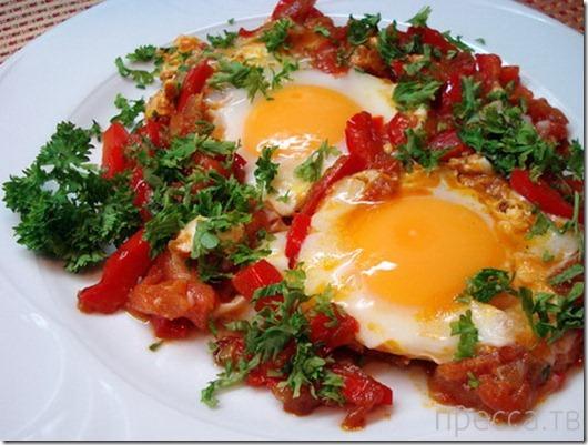 Вкуснятинка: помидорная Шакшука (16 фото)