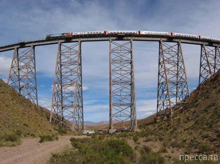Самые страшные железнодорожные участки в мире (9 фото)