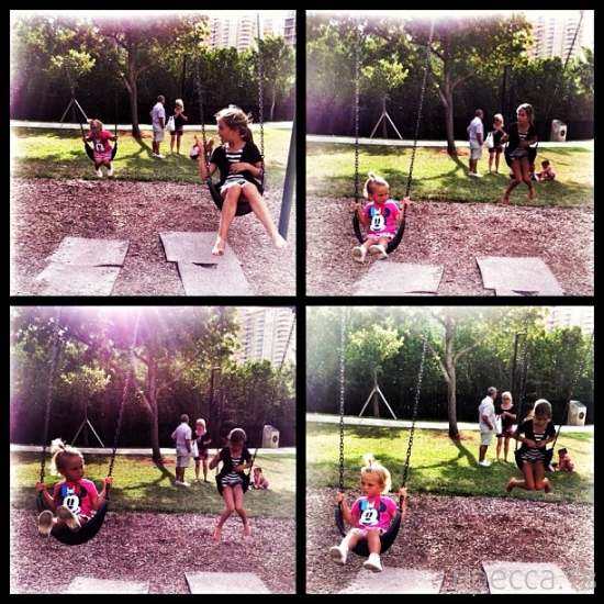 Анна Седокова показала грудь и детей (5 фото)