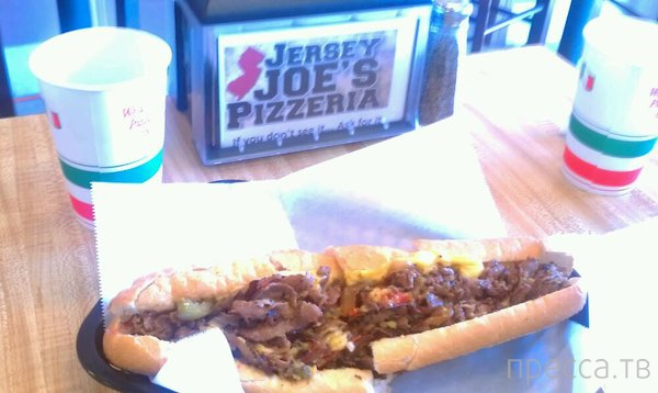 В Jersey Joe's Pizzeria больше не приходят люди (9 фото)