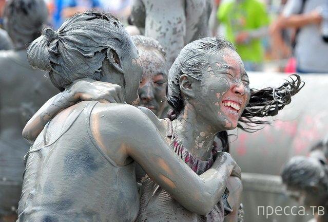 16-й ежегодный фестиваль грязи в Борен, Южная Корея (15 фото)