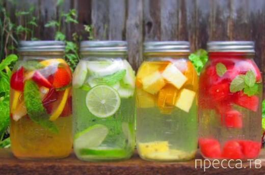 Вкуснятинка: Как сделать воду вкусной - летний лайфхак (2 фото)