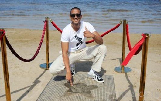 Победителем «Новой волны» стал кубинец Роберто Кель Торрес (6 фото)