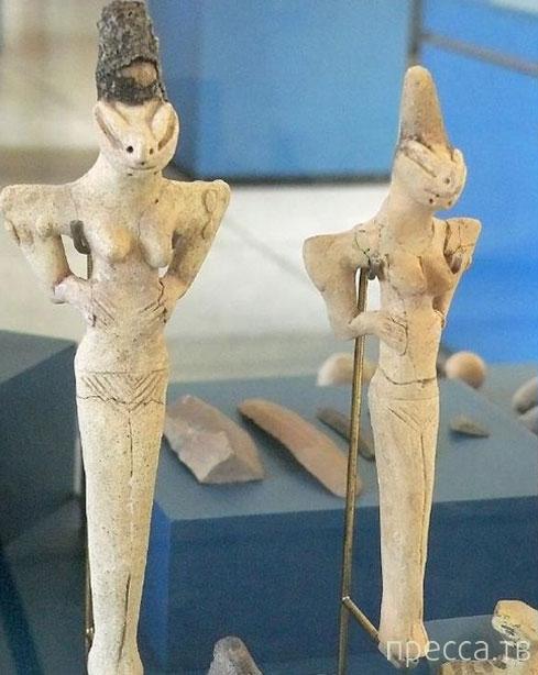 """Самые загадочные артефакты """"внеземного происхождения"""" (11 фото)"""