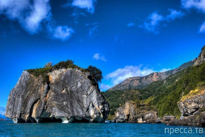 Сказочная красота - мраморные гроты озера Каррера (11 фото)