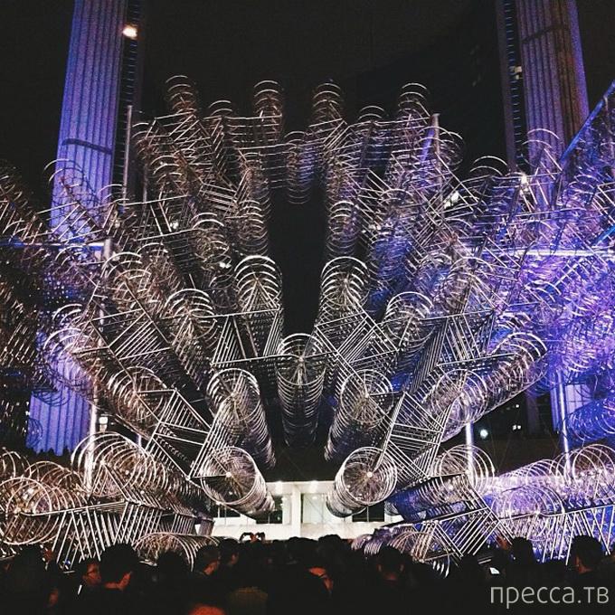 """Инсталляция """"Велосипеды навсегда"""" китайского художника Ай Вэйвэй (Ai Weiwei) в Торонто (7 фото)"""
