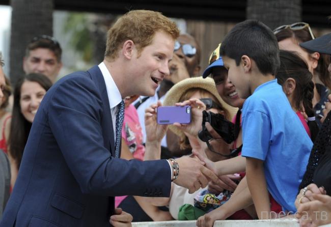 Принц Гарри посетил морской парад в Сиднее (9 фото)