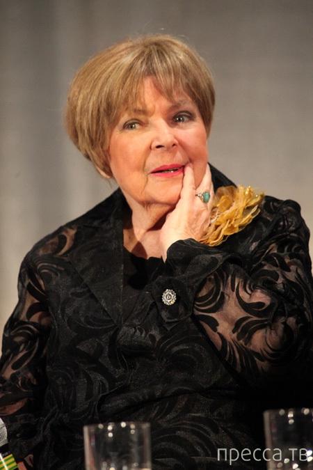 Скончалась, всеми горячо любимая, актриса Ольга Аросева (4 фото)