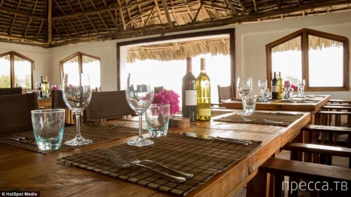 Ресторан на скале в Занзибаре (9 фото)