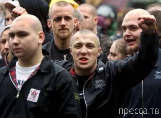 Неофашисты совершили нападение в центре Донецка