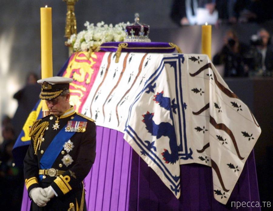 Самые яркие моменты из жизни принца Чарльза (30 фото)