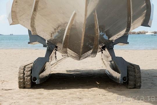 """Сухопутная яхта - """"Iguana 29"""" (11 фото)"""