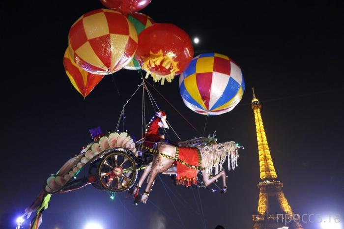 Города мира, украшенные к новогодним праздникам (17 фото)