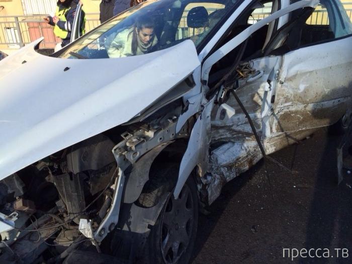 """Peugeot"" разворачиваясь, столкнулся с ""Mercedes""... ДТП на ул. Северная, г. Краснодар"