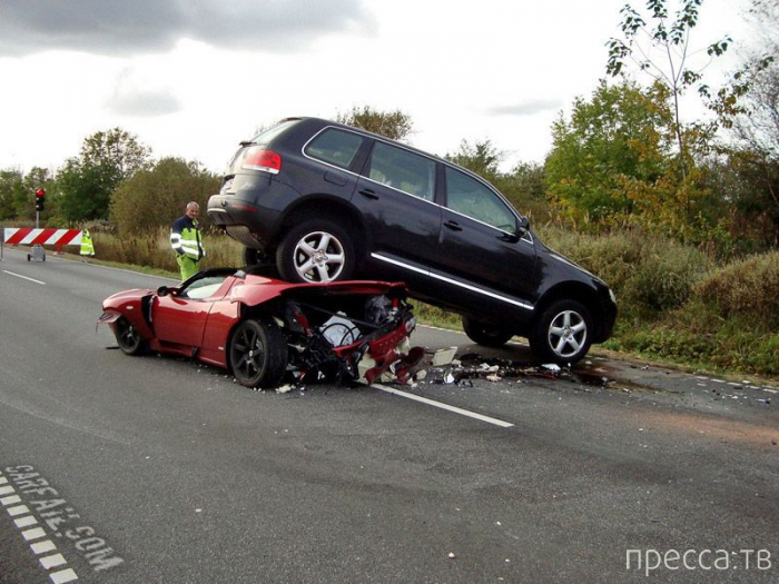 Подборка фотографий с забавными, прикольными и смешными моментами связанными с автомобилями (65 фото)