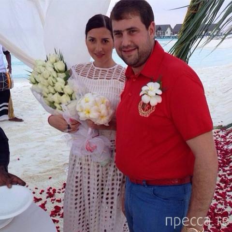 Жасмин снова вышла замуж (5 фото)