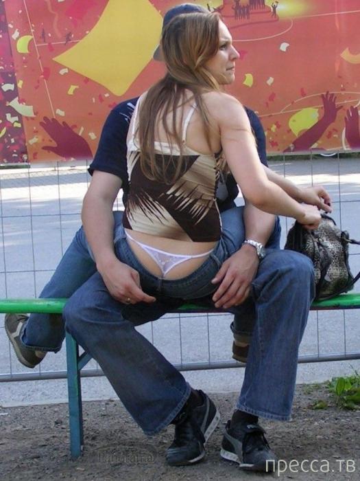 Откровенная мода - стринги и джинсы (20 фото)
