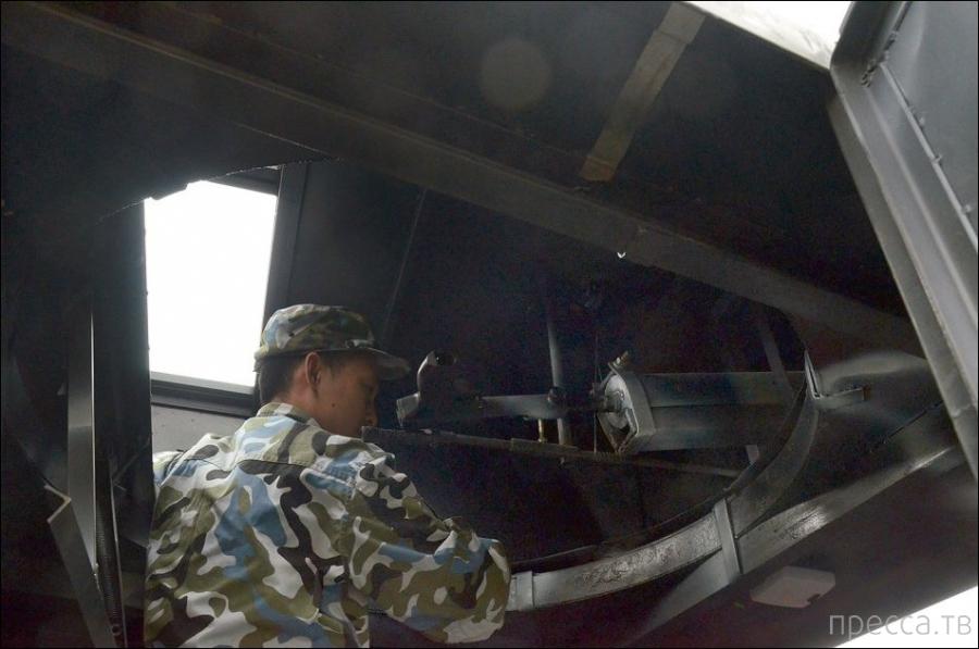 Китаец построил для шестилетнего сына самодельный танк (9 фото)