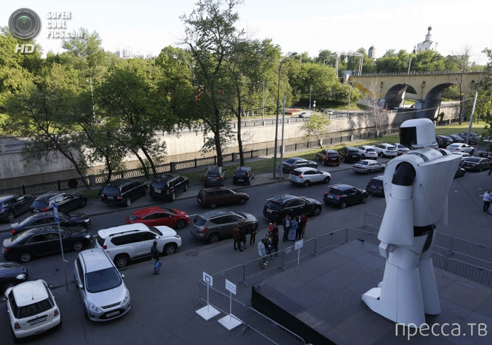 """Научно-популярная выставка """"Бал роботов"""" в Москве (7 фото + видео)"""