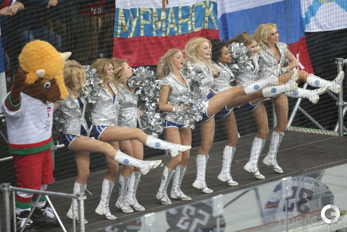 Красивые болельщицы чемпионата мира по хоккею в Минске (24 фото)