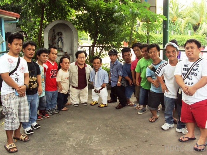 Мечты маленьких людей города Манилы (12 фото)